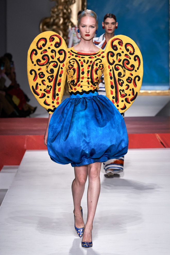 Show dien thoi trang Moschino anh 7