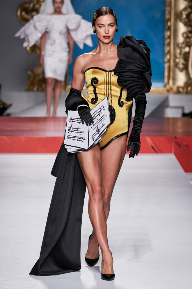 Show dien thoi trang Moschino anh 8