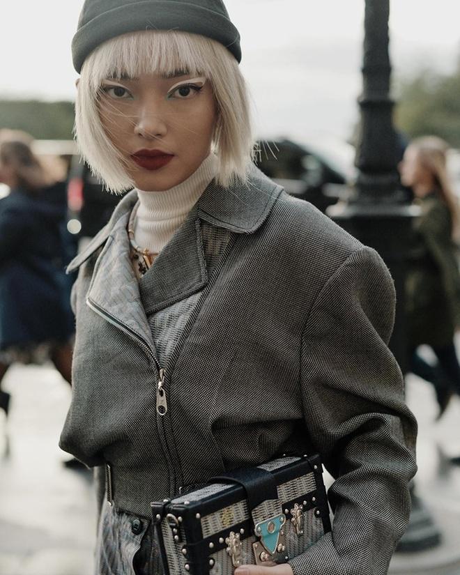 Chau Bui va Khanh Linh an mac the nao khi cung du show Louis Vuitton? hinh anh 1