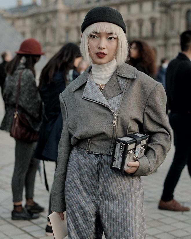 Chau Bui va Khanh Linh an mac the nao khi cung du show Louis Vuitton? hinh anh 2