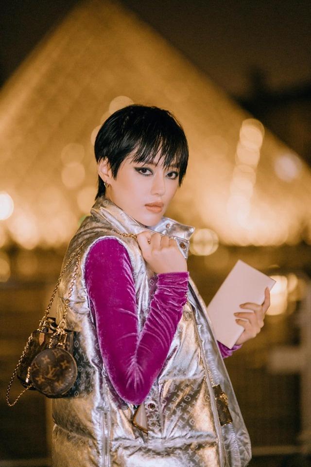 Chau Bui va Khanh Linh an mac the nao khi cung du show Louis Vuitton? hinh anh 7