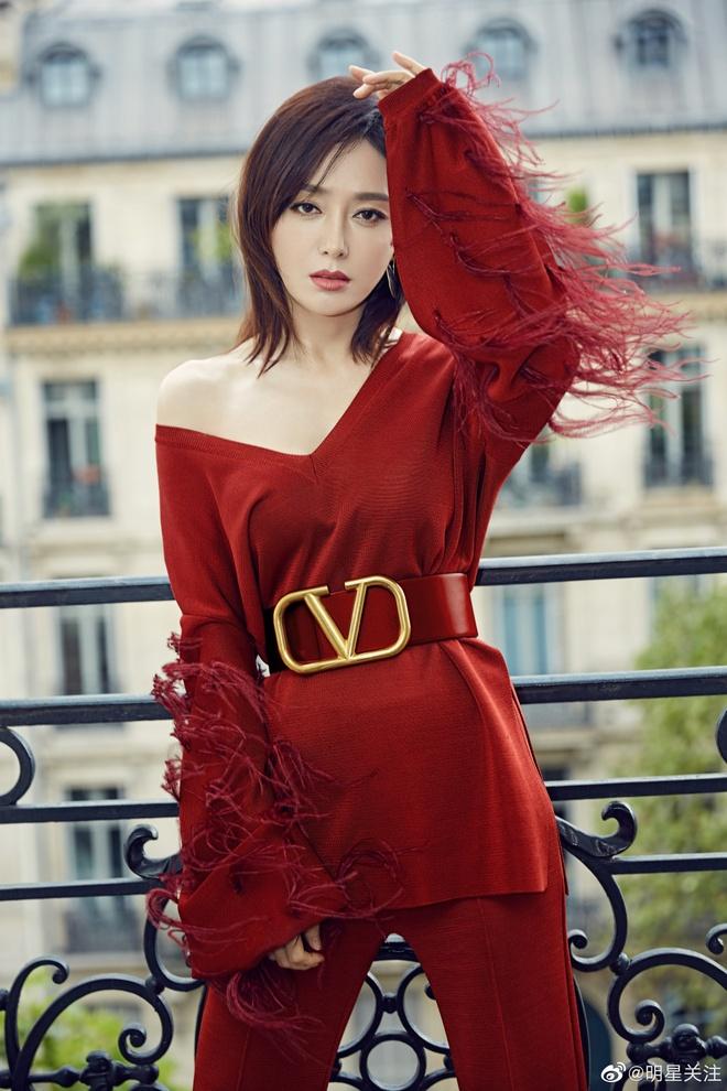 Sao Hoa Ngu mac do kem xinh tai Fashion Week anh 5