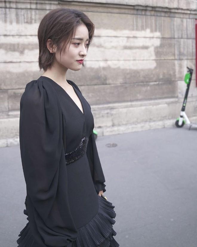 Sao Hoa Ngu mac do kem xinh tai Fashion Week anh 9