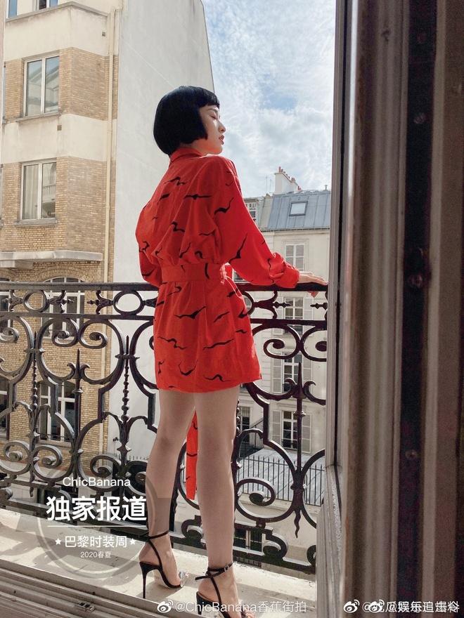 Sao Hoa Ngu mac do kem xinh tai Fashion Week anh 10