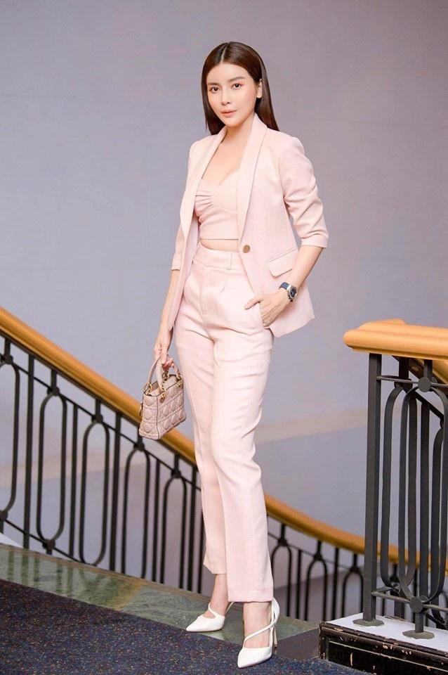 Mo Hai Sang trong 'Tieng set trong mua' ngoai doi an mac the nao? hinh anh 3