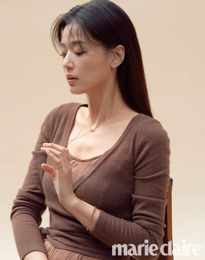 Jeon Ji Hyun than thai quyen ru tren tap chi anh 4