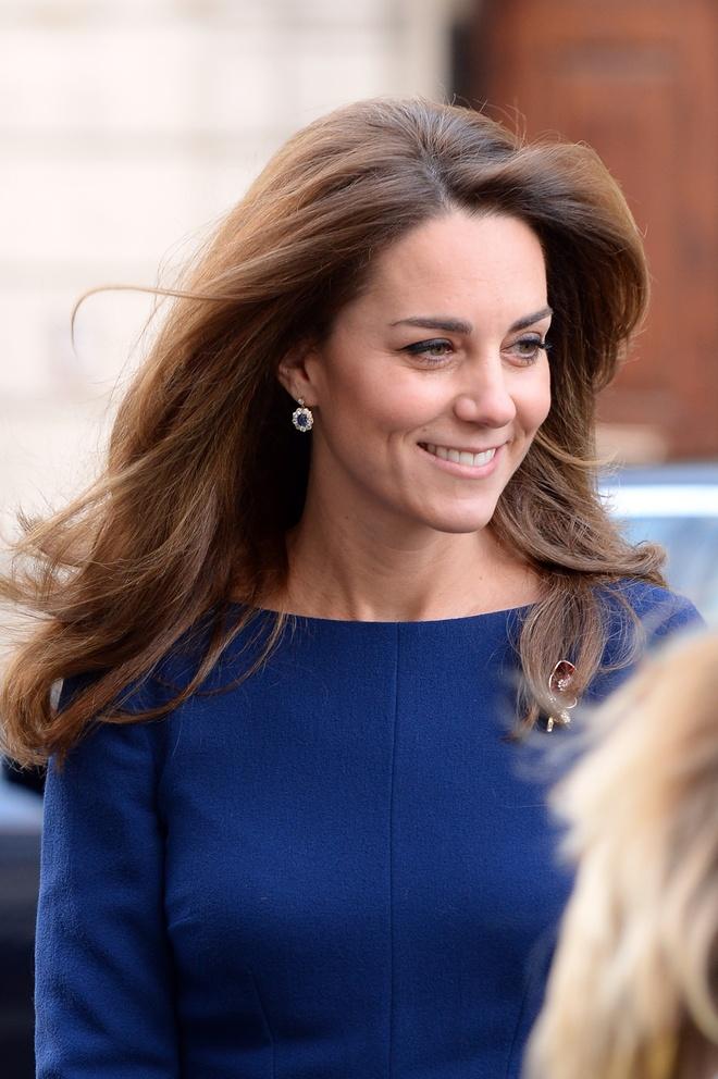 Kate Middleton bien tau trang suc me chong anh 2