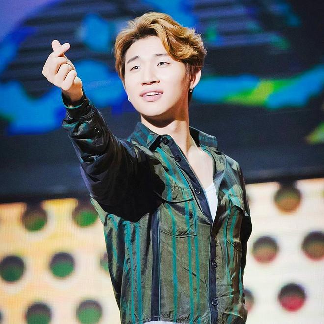 V (BTS) va dan my nam Han truoc khi di ngu duong da the nao? hinh anh 4