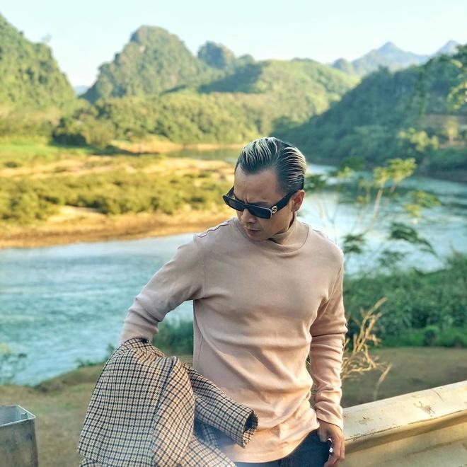 Son Tung doi mu len khi troi lanh, Ngo Kien Huy dien ao Chanel dat do hinh anh 6