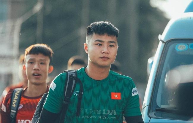 Van Hau thich cat toc gon gang, Duc Chinh chuong kieu xoan xu noi bat hinh anh 5