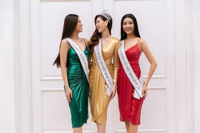 Top 3 Hoa hau Hoan Vu Viet Nam mac do giong cot den giao thong hinh anh 1 Top1.jpg