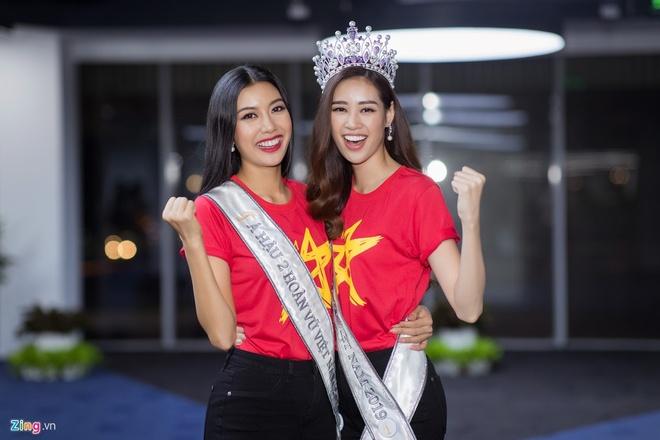 Top 3 Hoa hau Hoan Vu Viet Nam mac do giong cot den giao thong hinh anh 6 Top6.1.jpg