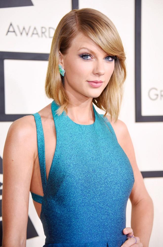 10 nam qua, phong cach lam dep cua Taylor Swift thay doi the nao? hinh anh 6 Taylor_Swift_thay_doi_lam_dep_6.jpg