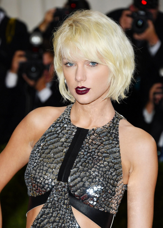 10 nam qua, phong cach lam dep cua Taylor Swift thay doi the nao? hinh anh 8 Taylor_Swift_thay_doi_lam_dep_8.jpg