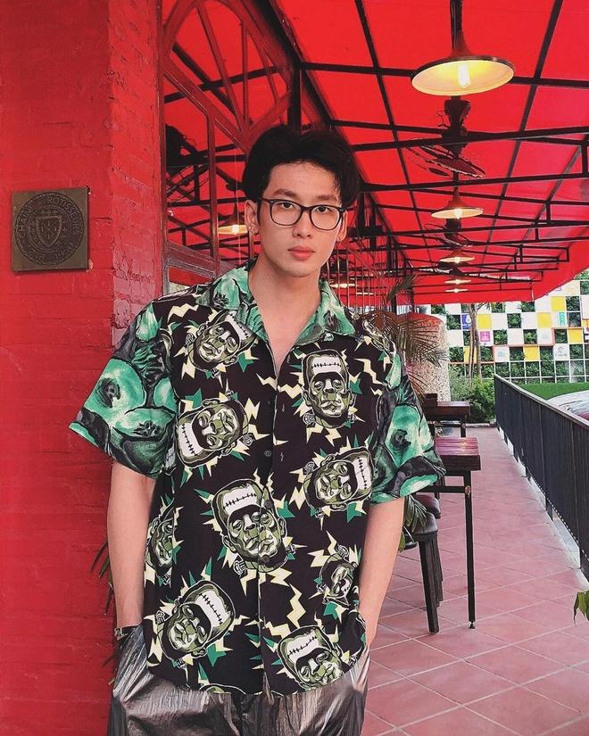 Tuan Tran thich dung hang hieu, gu an mac mau me kieu Han Quoc hinh anh 6 TT7.jpg