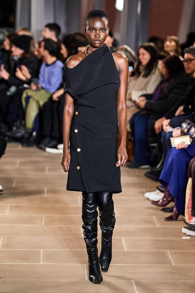 Marc Jacobs va loat thiet ke an tuong tren san dien NYFW 2020 hinh anh 13 LOOK16.jpg