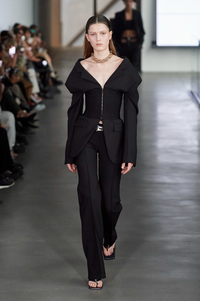 Nhung thiet ke an tuong tai Fashion Week anh 17