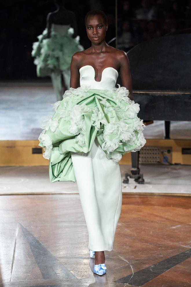 Nhung thiet ke an tuong tai Fashion Week anh 7