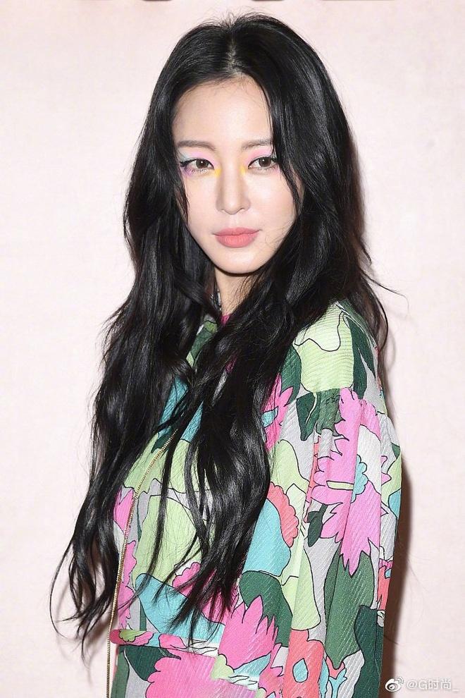 Song Hye Kyo bi che gia, IU mac do nhan kem duyen du show thoi trang hinh anh 9 SONG14.jpg