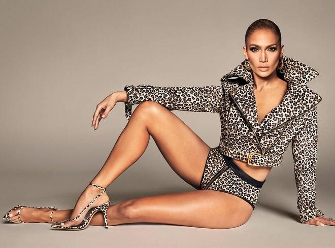 Jennifer Lopez mac ho hang, bi che khoe than qua da khi quang cao giay hinh anh 4 JL3.jpg