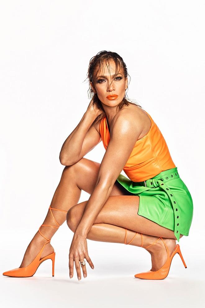 Jennifer Lopez mac ho hang, bi che khoe than qua da khi quang cao giay hinh anh 2 JL4.jpeg