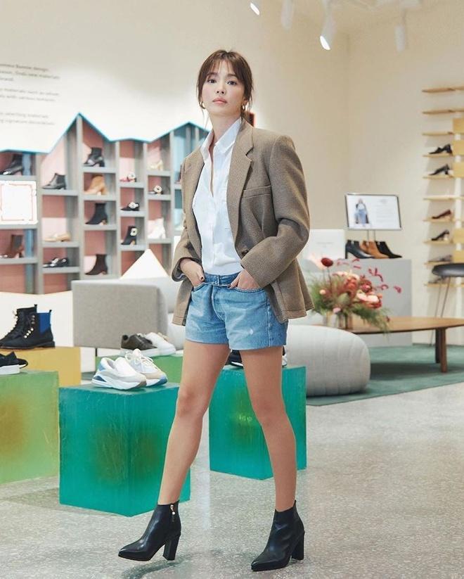 Song Hye Kyo thay doi gu an mac tre trung anh 8