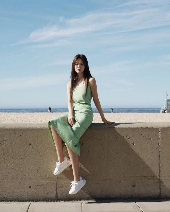 Song Hye Kyo thay doi gu an mac tre trung anh 3