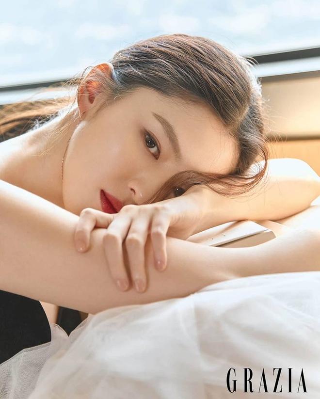 Han So Hee tao dang kho hieu anh 2