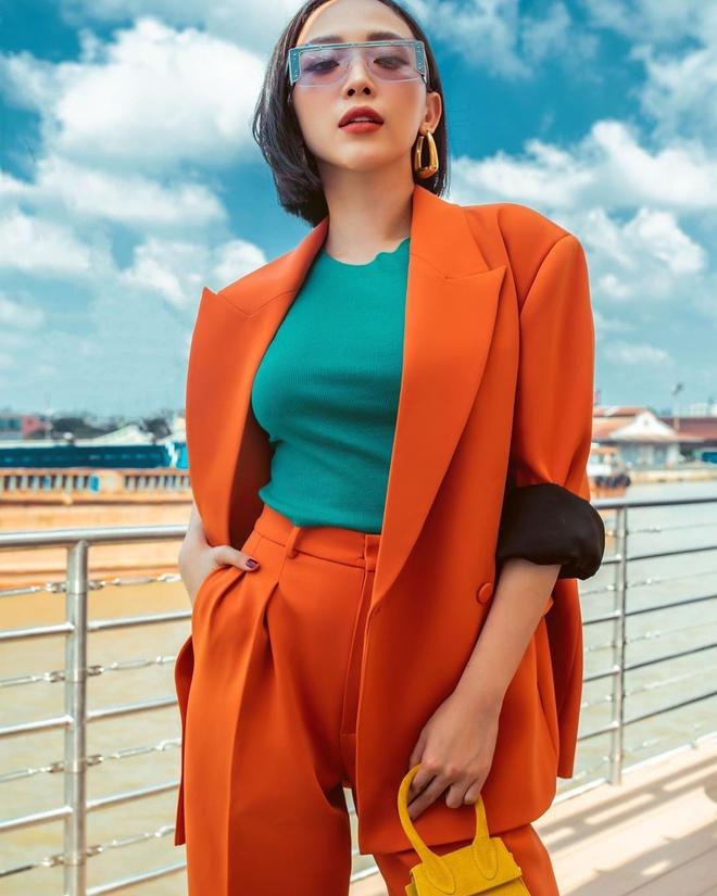 Ban gai Quang Hai mac do goi cam anh 1