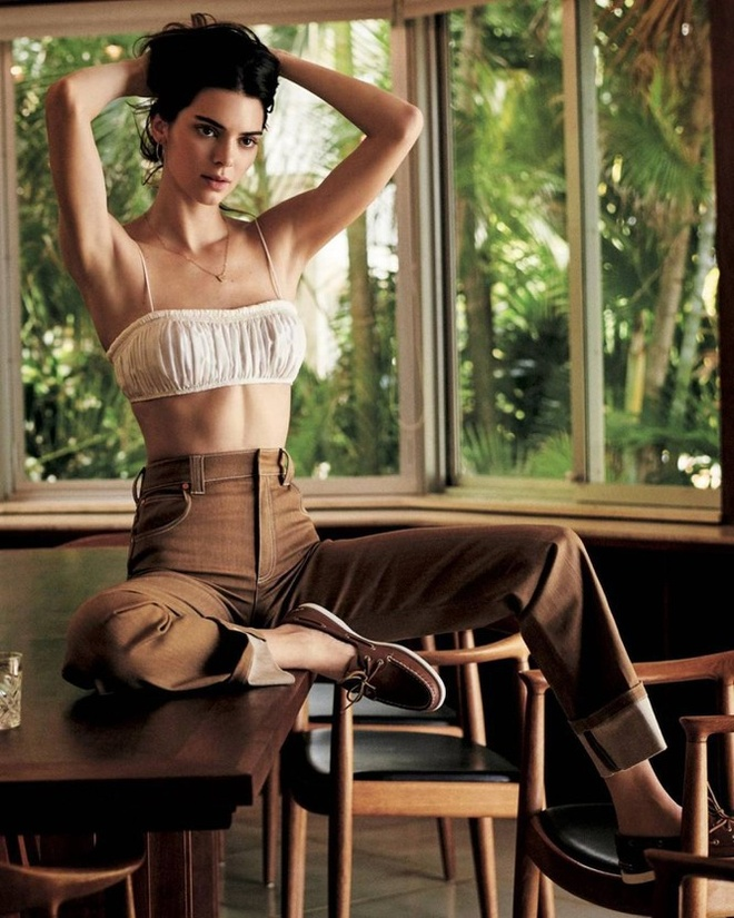 Kendall Jenner chup bia tap chi anh 5