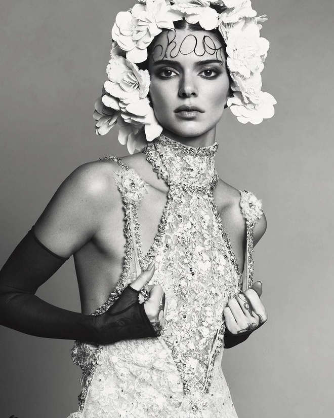 Kendall Jenner mac do Chanel anh 3
