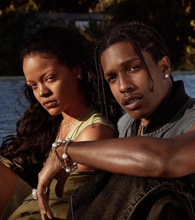 Rihanna phan bac nguoi ham mo anh 2