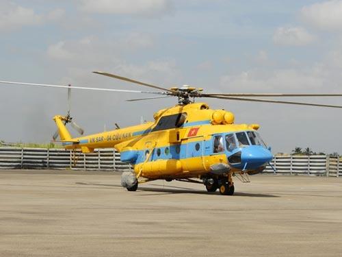 Truc thang Mi-17 tim kiem 4 ngu dan Thanh Hoa mat tich hinh anh