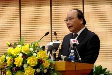 Bat duoc buon lau phai dang bao ngay de tranh 'xin xo' hinh anh 1 Phó Thủ tướng Nguyễn Xuân Phúc phát biểu chỉ đạo hội nghị - Ảnh: VGP