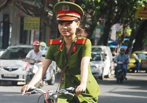 Canh sat Ha Noi se tuan tra bang xe dap hinh anh