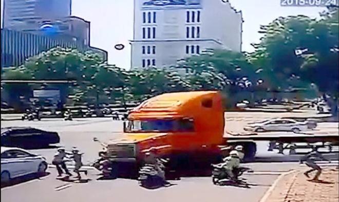 Nan nhan bi xe container tong da qua con nguy kich hinh anh 1