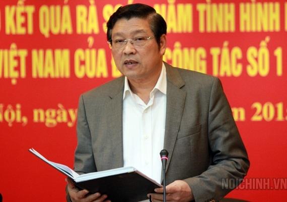 Ong Phan Dinh Trac lam Truong Ban Noi chinh Trung uong hinh anh