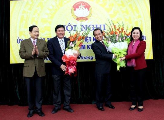 Ong Vu Hong Khanh lam Chu tich Mat tran to quoc Ha Noi hinh anh 1