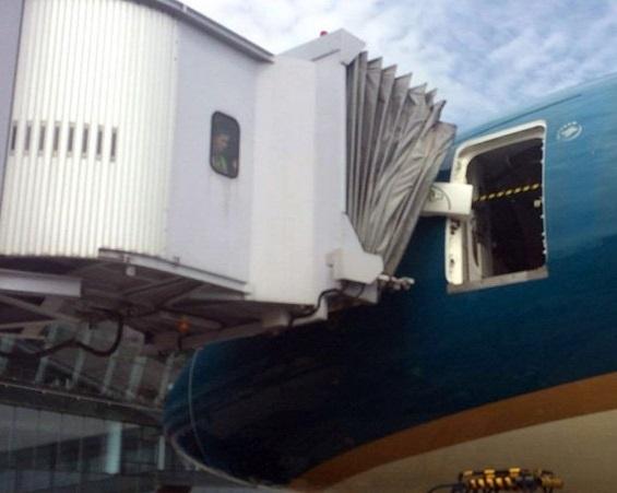 Su co hong cua may bay Boeing 787 xay ra the nao? hinh anh