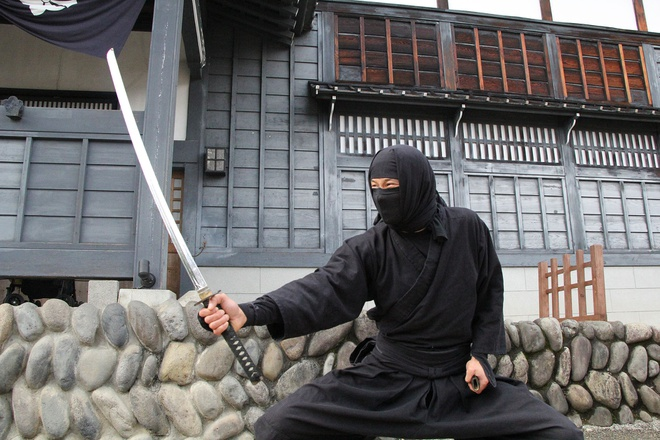Giap mat huyen thoai ninja Nhat thoi Edo hinh anh