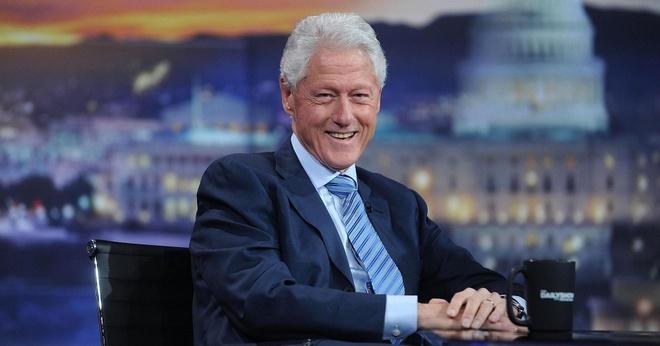 Cuu Tong thong My Bill Clinton viet tieu thuyet ly ky hinh anh