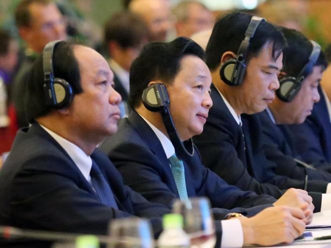 500 dai bieu du 'Hoi nghi Dien Hong' ban quyet sach cho DBSCL hinh anh
