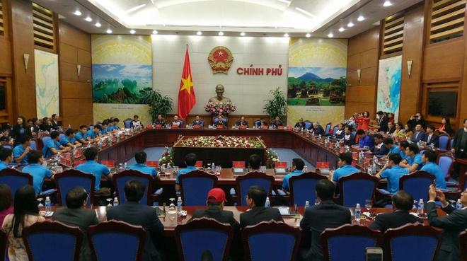Thu tuong don U23 Viet Nam: Chua bao gio doi lau ma vui the hinh anh 5