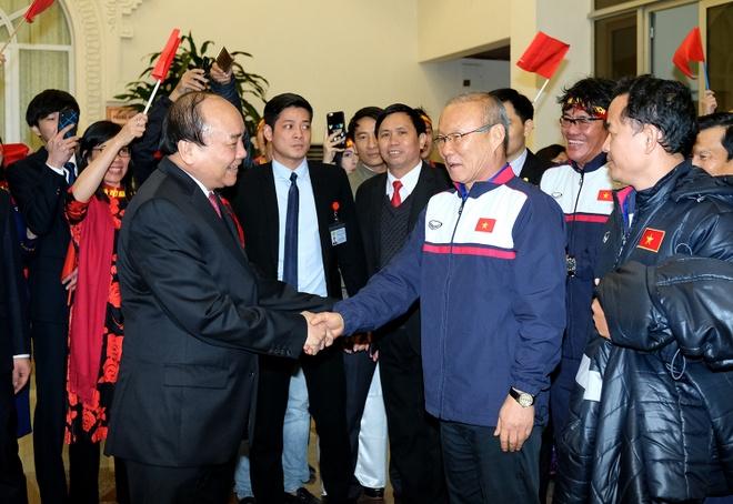 Thu tuong don U23 Viet Nam: Chua bao gio doi lau ma vui the hinh anh