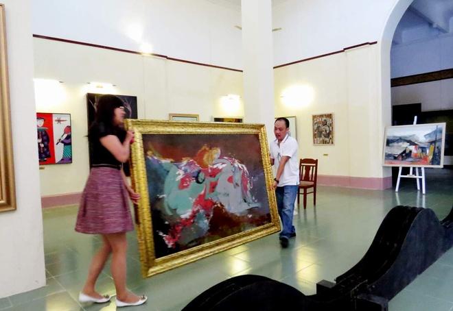 Bay tranh goi tinh ben canh phong tranh ve Dien Bien Phu hinh anh 4 Một vài bức tranh