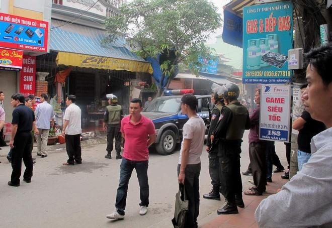 Ca tram canh sat vay bat toi pham truy na o Hai Phong hinh anh 2 Hiện trường cuộc vây bắt đối tượng Tự