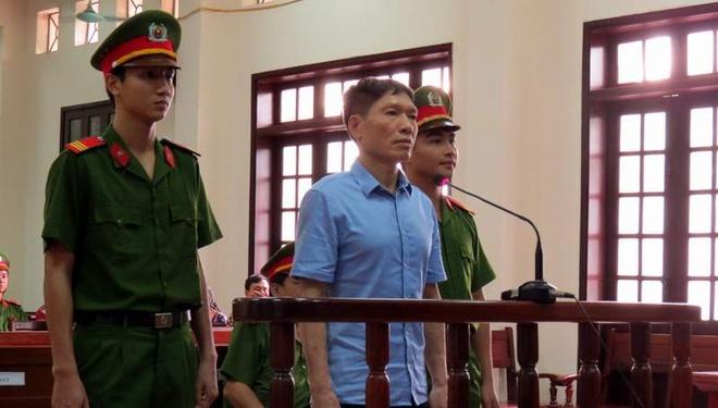 Nguyen pho giam doc cong an Hai Phong linh 15 thang tu hinh anh 1 Bị cáo Dương Tự Trọng tại phiên xét xử sáng nay