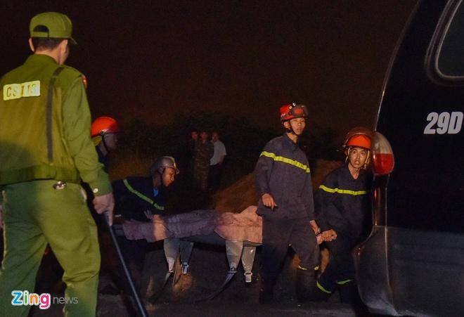 Cô gái 21 tuổi lái Mercedes GLC lao xuống sông Hồng