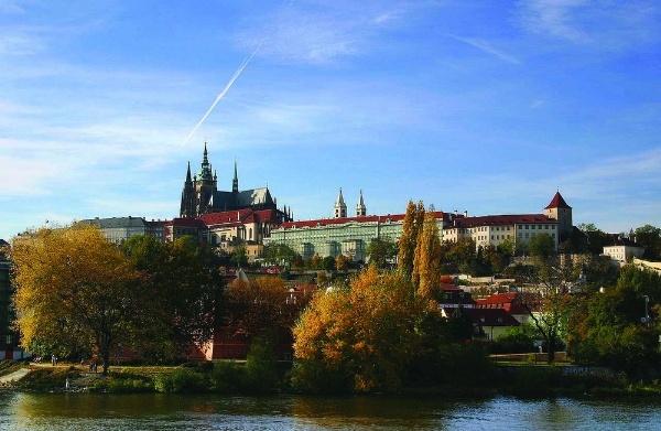 Ngam Praha, thanh pho vang quyen ru hinh anh