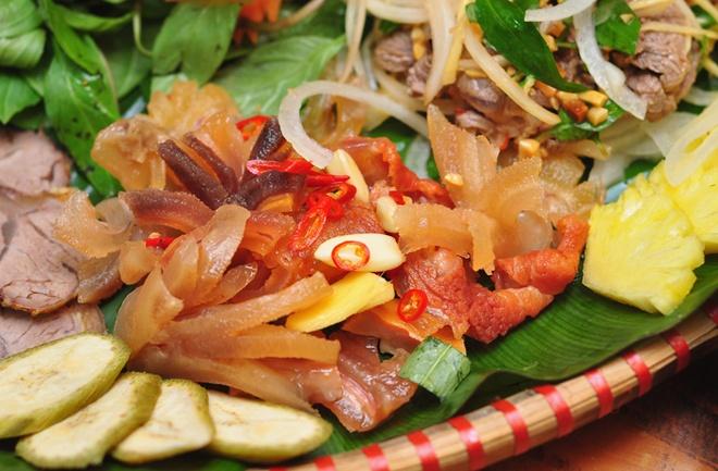 Bo met nhin la them o pho Pham Ngoc Thach hinh anh 2 Pím bò chua ngọt.